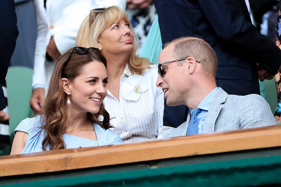 2019年7月14日、ロイヤルボックスで談笑するウイリアム王子とキャサリン妃【写真:Getty Images】
