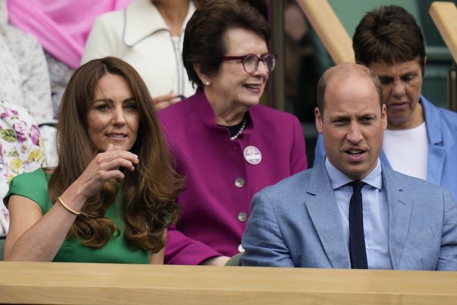 ウィンブルドン選手権女子シングルス決勝を観戦するウイリアム王子夫妻【写真:AP】