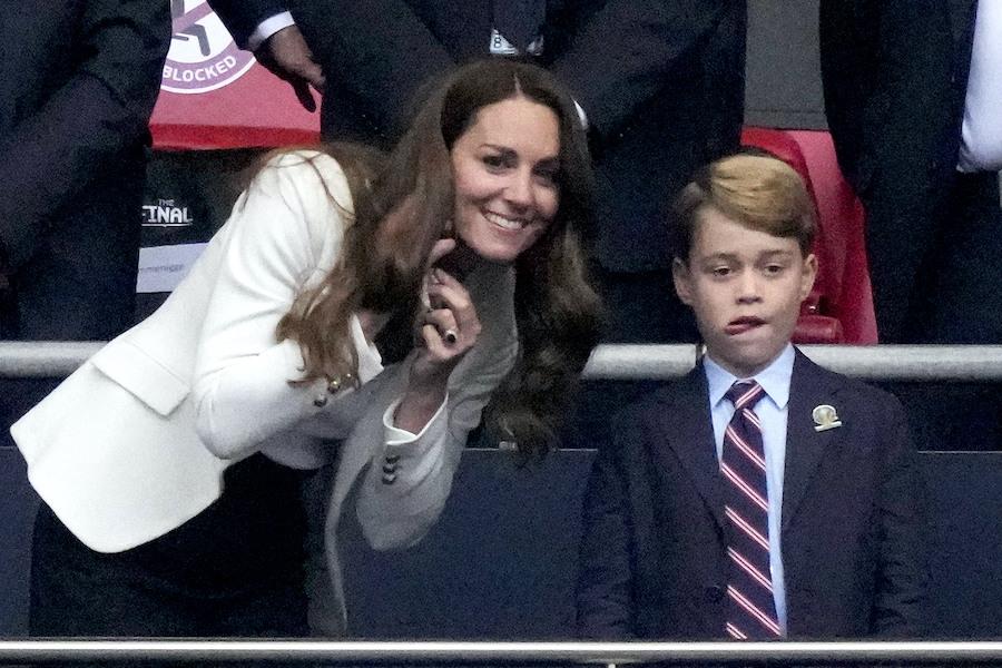 キャサリン妃とジョージ王子【写真:AP】