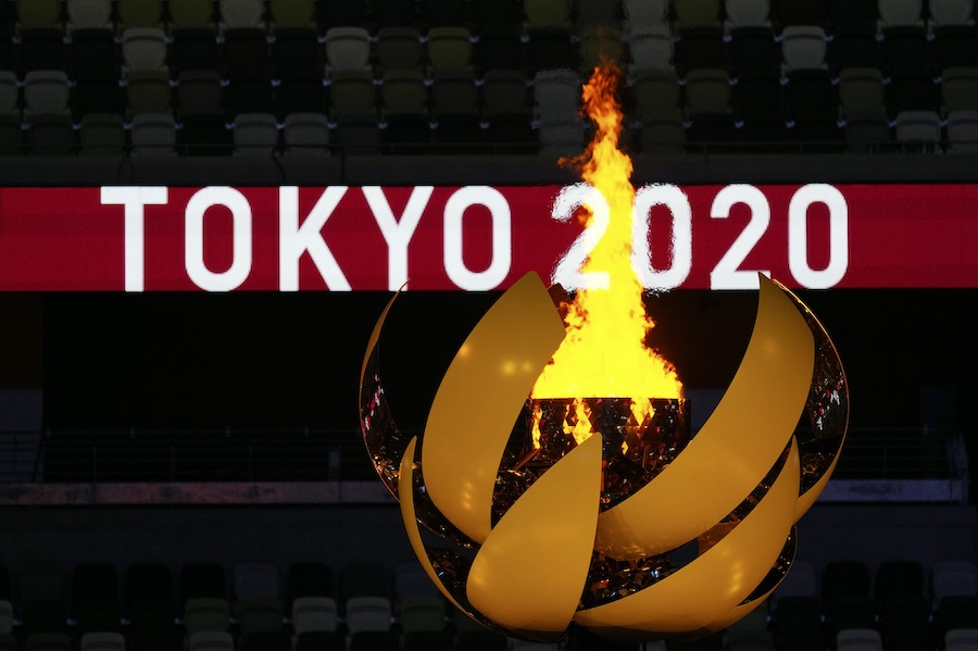 「日本は不思議な国」 寿司デリバリーした米記者の投稿 驚きの声が上がった理由とは