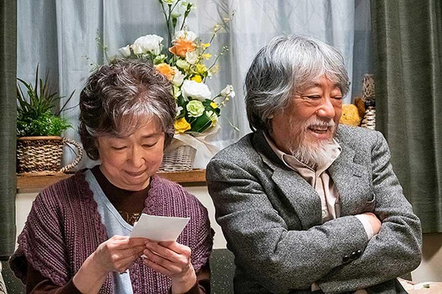 『キネマの神様』妻・淑子(宮本信子)と夫・ゴウ(沢田研二)(c)2021「キネマの神様」製作委員会
