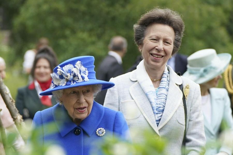 エリザベス女王とアン王女【写真:Getty Images】