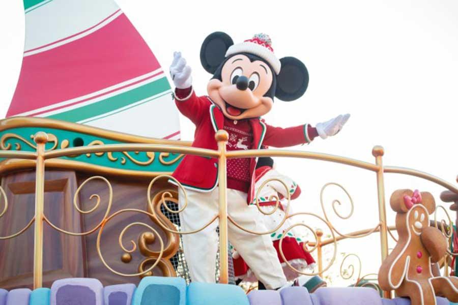 東京ディズニーランドで始まる「ミッキー&フレンズのグリーティングパレード:ディズニー・クリスマス」のイメージ(c)Disney